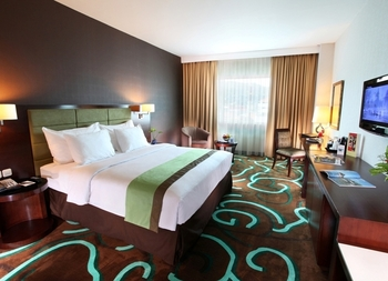 Swiss-Belhotel  Ambon - Superior Deluxe Double Bed Room Only We Love We Care - 15% OFF