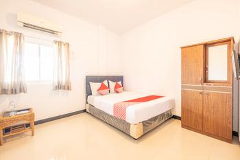 OYO 863 Tenacity Guest House Syariah Cirebon - Deluxe Double Room Regular Plan