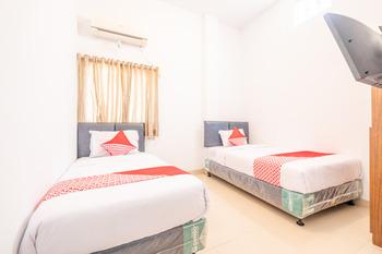 OYO 863 Tenacity Guest House Syariah Cirebon - Deluxe Twin Room Regular Plan