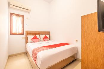 OYO 863 Tenacity Guest House Syariah Cirebon - Standard Double Room Regular Plan