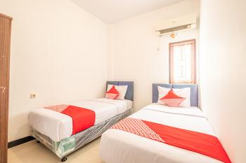 OYO 863 Tenacity Guest House Syariah Cirebon - Standard Twin Room Regular Plan