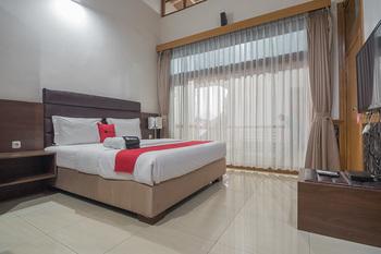RedDoorz @Hegarmanah Bandung - RedDoorz Deluxe Room Regular Plan