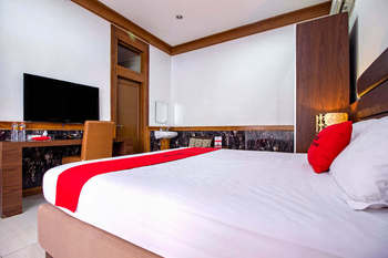 RedDoorz @Hegarmanah Bandung - RedDoorz Room with Breakfast Regular Plan