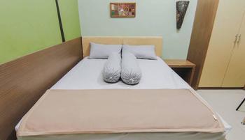 Aliya Hostel Yogyakarta - Deluxe Room Minimum Stay 2 night