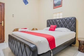 RedDoorz Syariah near Stadion Maulana Yusuf Serang - RedDoorz Room Basic Deal