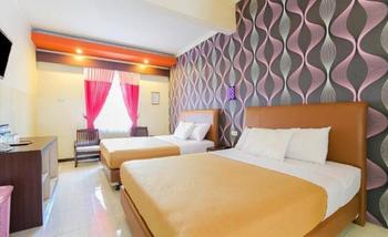 New Cahaya Hotel Syariah Surabaya - Family Room Regular Plan