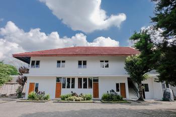 OYO 888 Grand Ijen Guest House