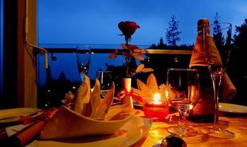 Lembang Asri Resort Bandung - Honeymoon Suite Room Regular Plan