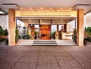 NIDA Rooms Dupan Square Complex