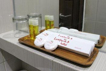 Luxpoint Hotel Surabaya - Triple Room with Breakfast Regular Plan