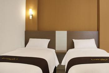 Luxpoint Hotel Surabaya - Standard Twin Room Only Regular Plan