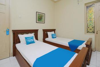 Airy Keraton Yogyakarta Wijilan Sawojajar 1 - Standard Twin Room with Breakfast Regular Plan