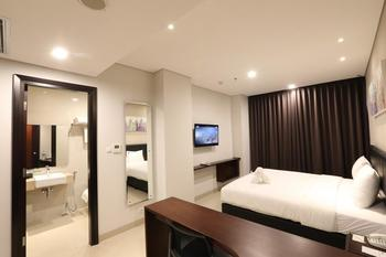 Primebiz Hotel Surabaya Surabaya - Superior King - Room Only Regular Plan