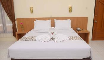 Manyar Garden Hotel Banyuwangi - Yunior Suite Double Regular Plan