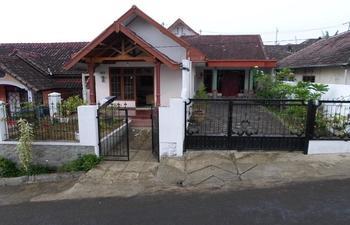 Darmo Homestay Villa Jambu 1