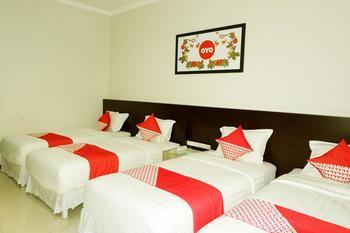 OYO 493 Permata Jingga AA 19 Boutique Syariah Malang - Suite Family  Regular Plan