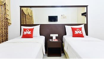 ZEN Rooms Sukaresmi Karang Setra