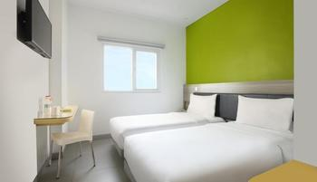 Amaris Margorejo Surabaya - Smart Room Twin Staycation Offer Regular Plan