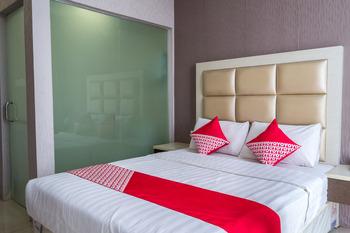 OYO 676 Nasa Hotel Batam - Deluxe Double Room Regular Plan