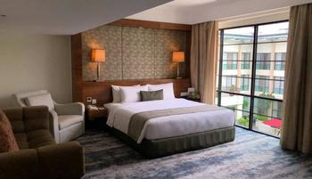 Aryaduta Medan - Business Deluxe Room Regular Plan