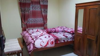 Omahe Simbah Guesthouse Yogyakarta - Standard Room Limited Promotion
