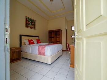 OYO 2177 Trikora Indah Residence Palembang - Standard Double Room Regular Plan