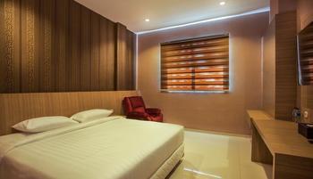 Alvina Hotel Siantar - Deluxe Room Regular Plan