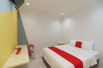 RedDoorz @ Taman Galaxy Bekasi Bekasi - RedDoorz Room Basic Deal