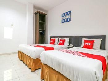 OYO 1666 Grand Pudjawan Hotel Bali - Suite Triple Regular Plan