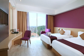 Grand Edge Hotel Semarang - Deluxe Room Twin Beds with Breakfast  Regular Plan