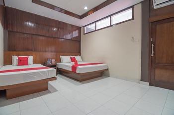 RedDoorz Plus near Museum Geologi Bandung Bandung - RedDoorz Family Room 24 Hours Deal