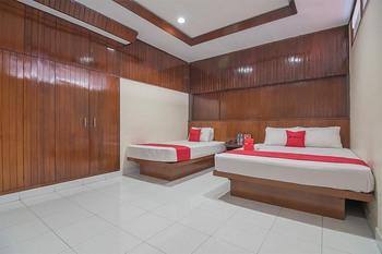 RedDoorz Plus near Museum Geologi Bandung Bandung - RedDoorz Family Room with Breakfast Regular Plan