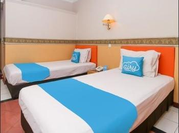 Airy Tanjung Karang Raden Intan 75 Lampung - Deluxe Twin Room with Breakfast Special Promo Aug 33