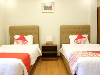 OYO 740 Joyful Hotel Belitung -  Deluxe Twin Room Regular Plan