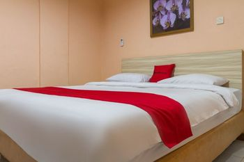 RedDoorz near Istana Plaza 2 Bandung - RedDoorz Room 24 Hours Deal
