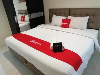 Residences by RedDoorz near Setiabudi One Mall Jakarta - RedDoorz Room LM 2