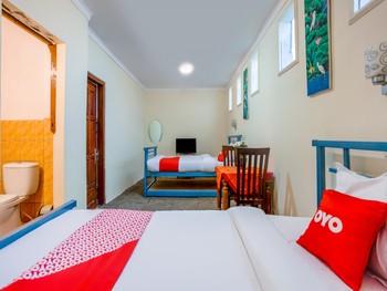OYO 3004 Penginapan Bromo Adi Pasuruan - Standard Twin Room Regular Plan