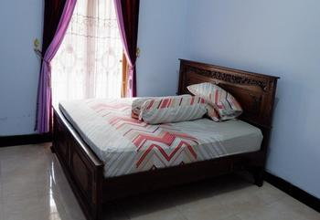 Maundri Homestay Magelang - Standard Double Room Regular Plan