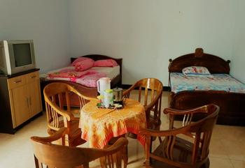 Maundri Homestay Magelang - Family Room Regular Plan