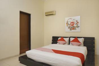OYO 461 Hotel Madukoro Yogyakarta - Deluxe Double Room Regular Plan