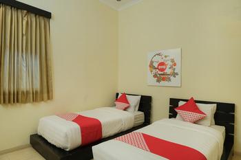 OYO 461 Hotel Madukoro Yogyakarta - Standard Twin Room Regular Plan