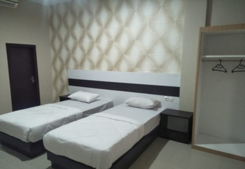 Hotel Indah Kendari Kendari - Deluxe Twin Room Regular Plan
