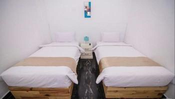 Hadrah Hotel Banda Aceh - Standard Twin No Window Regular Plan