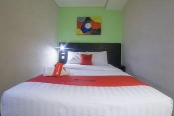 RedDoorz @ Budget Hotel Ambon Ambon - RedDoorz Room Basic Deal