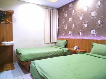 Green Apple Residence Tanah Abang - Standard Twin Room Only FC Stay More, Pay Less