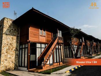 JSI Resort Puncak - Wooden Villa One Bedroom Regular Plan