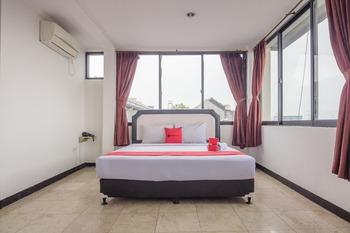 RedDoorz near Citimall Sukabumi Sukabumi - RedDoorz Deluxe Room KETUPAT