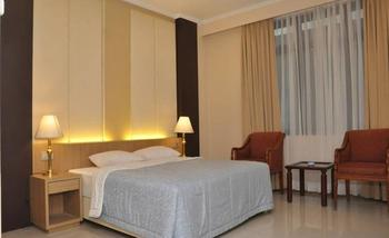The Amrani Syariah Hotel Solo - Deluxe Room Regular Plan
