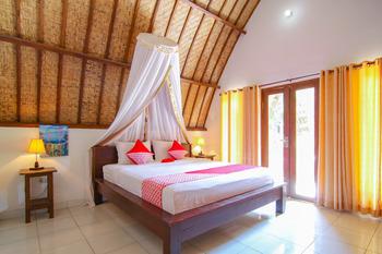 OYO 1135 Dwi Inn Lombok - Deluxe Double Room Regular Plan