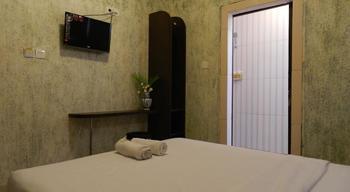 S8 Suardana Hotel Bali - Kamar Deluxe Tanpa Jendela Deluxe No Window